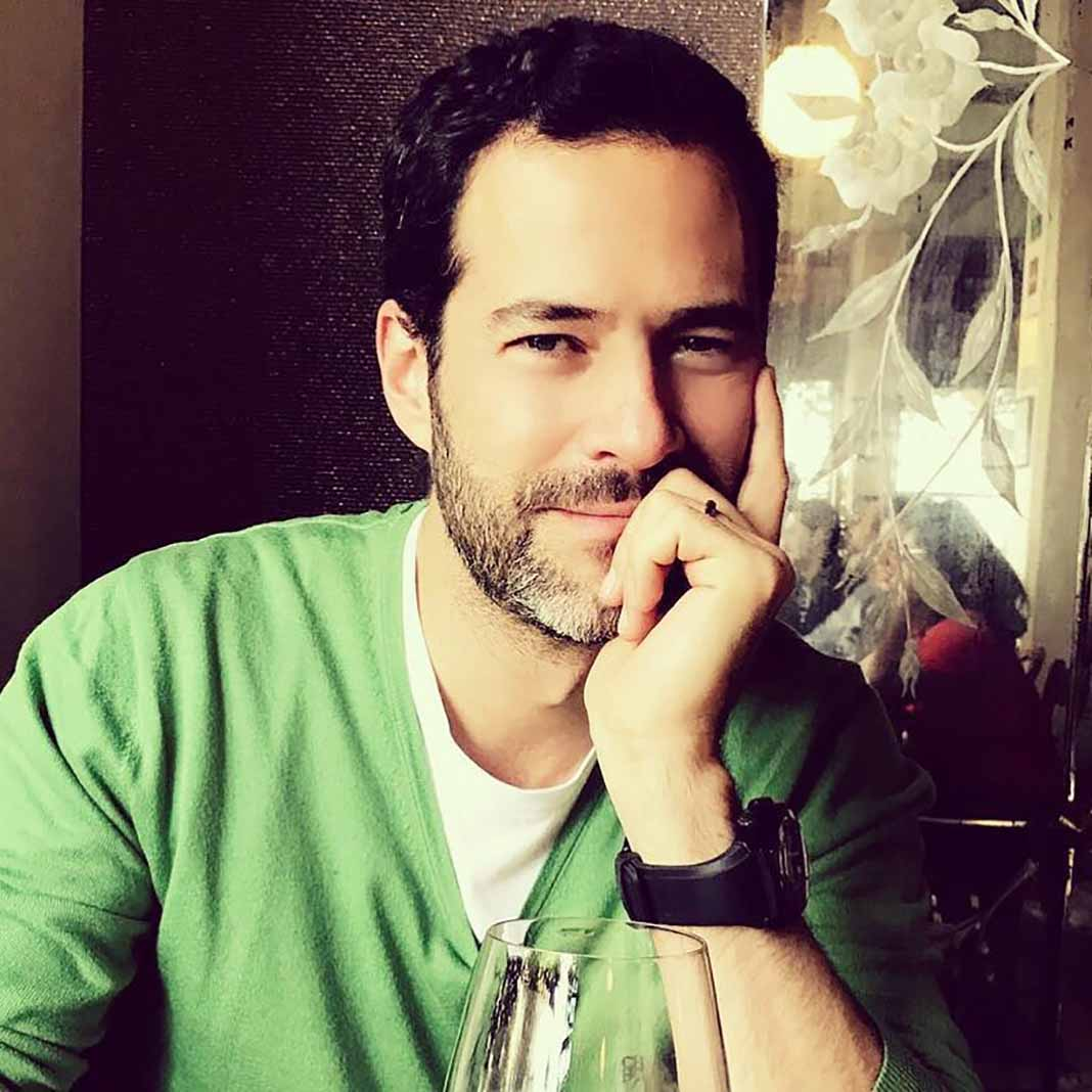 Emiliano Salinas es hijo del ex Presidente de México Carlos Salinas de Gortari