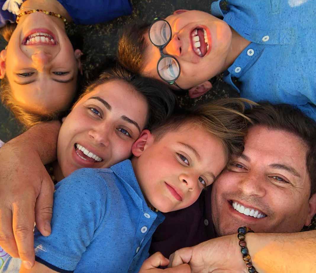 Ernesto, su esposa Patricia y sus hijos Emiliano, Bárbara y Santiago