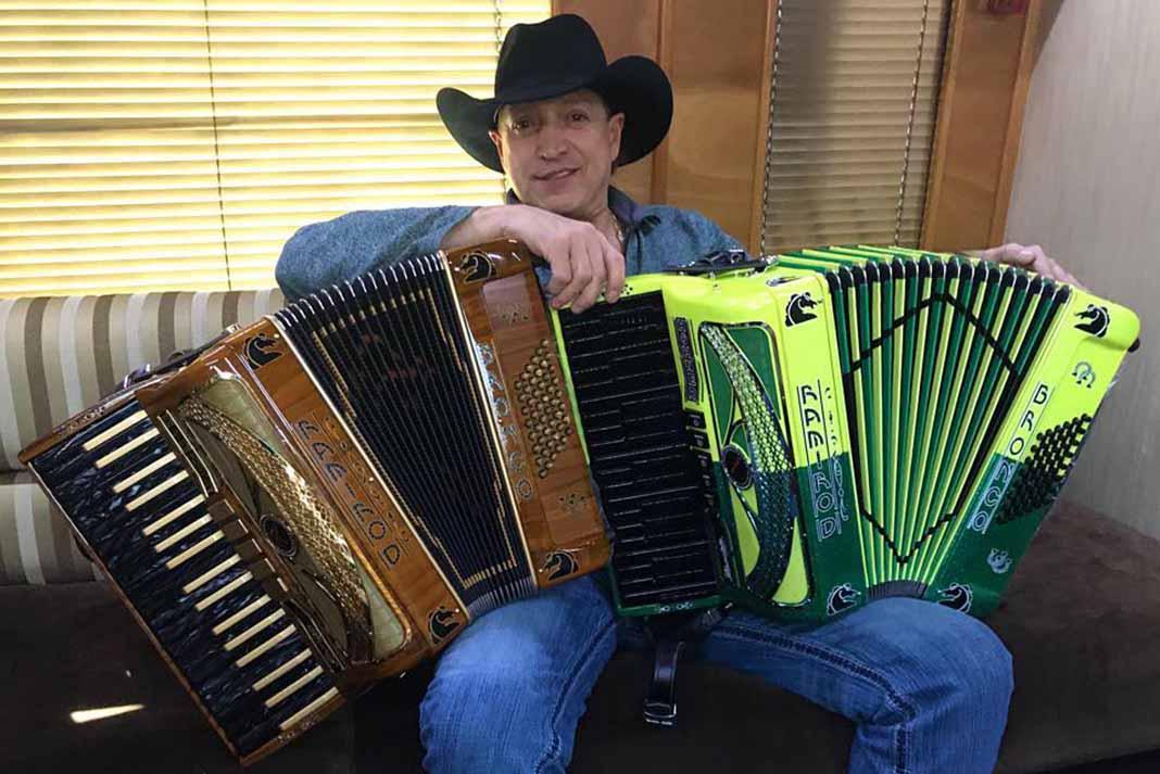 Ramiro Delgado, co-fundador de Bronco, está feliz porque será nuevamente abuelo