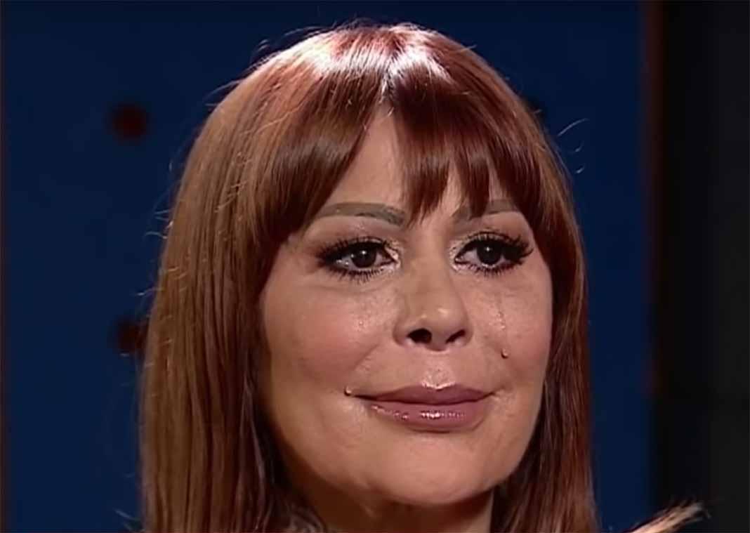 Alejandra dijo que sus problemas no son una novela para que se divierta el público