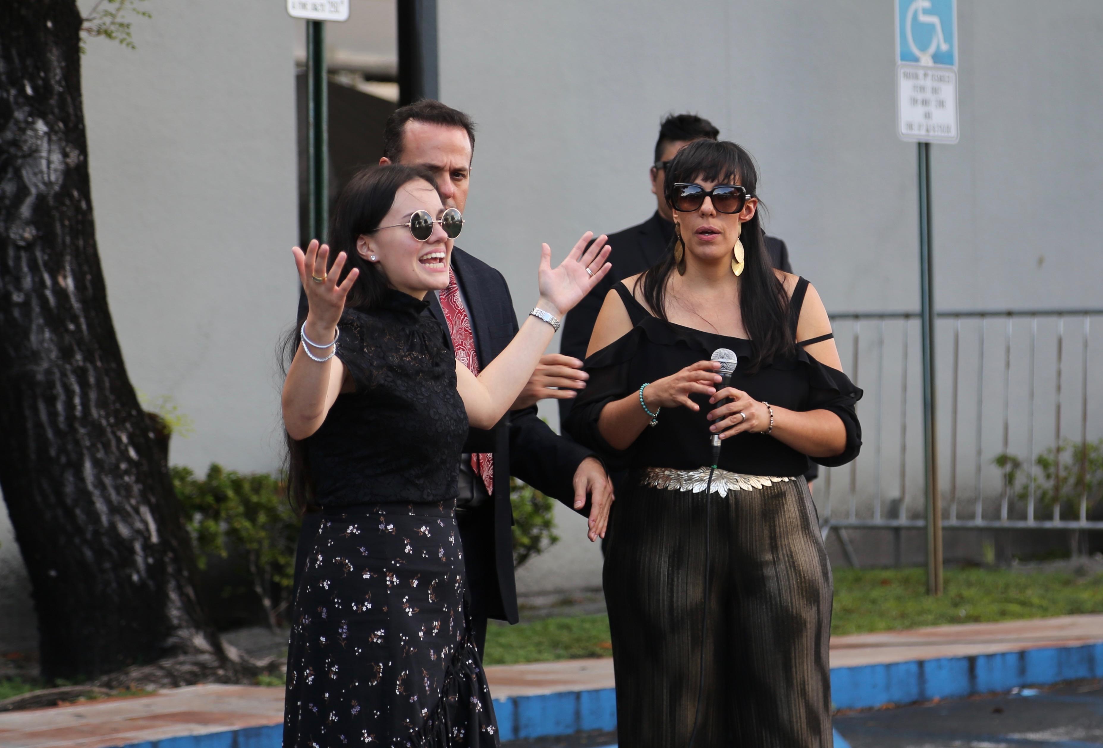 Sarita Sosa, la hija menor de José José dijo que sus medios hermanos estaban enterados y aceptaron el deseo de su madre, la última esposa del artista
