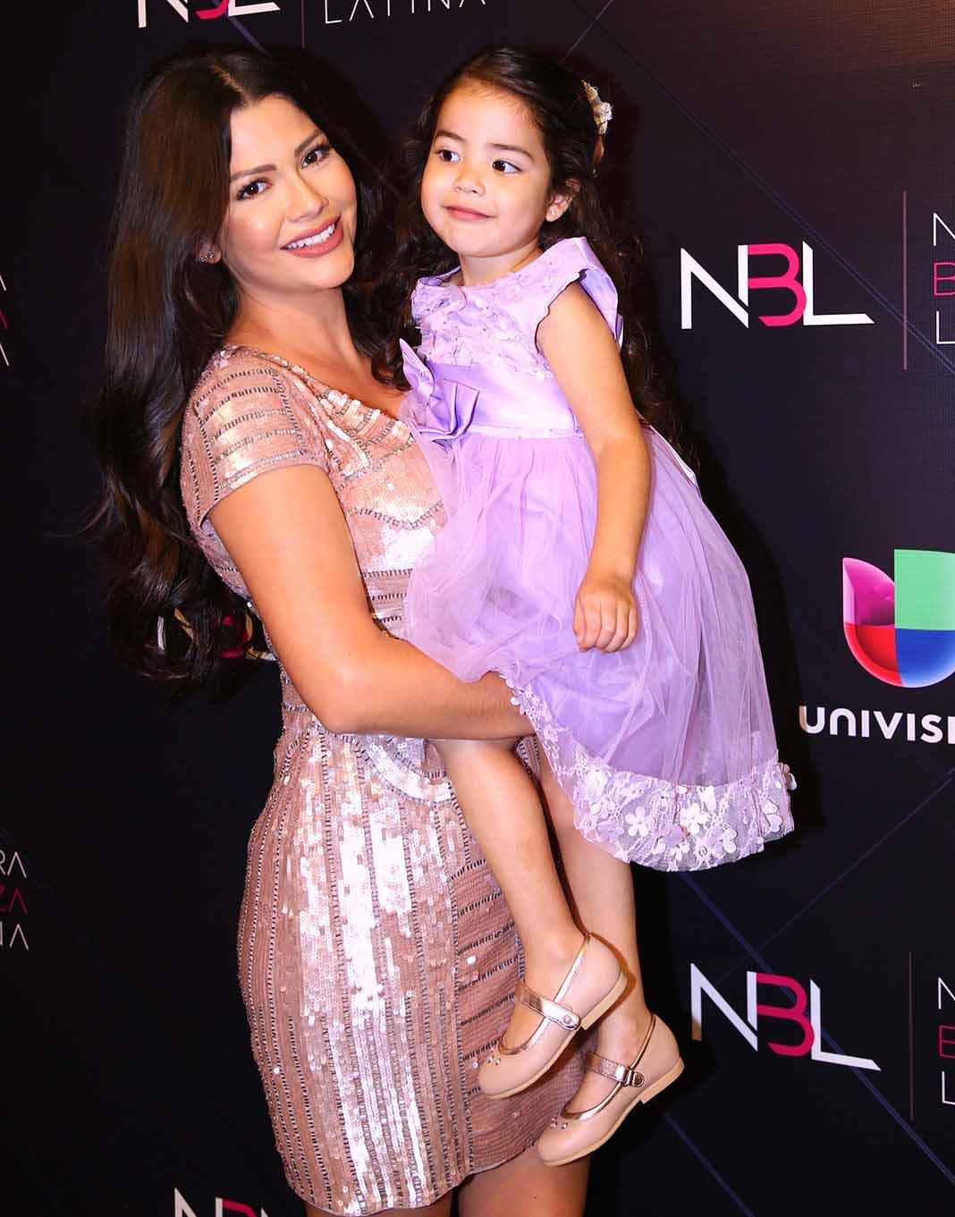 """Ana Patricia piensa compartir compartirá con su hija Giulietta las bases para que encuentre el """"amor verdadero"""" cuando sea grande. Foto: Mezcalent"""