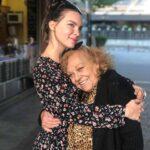 Belinda quiere mucho a su abuela, quien vive en España y cada vez que puede visita