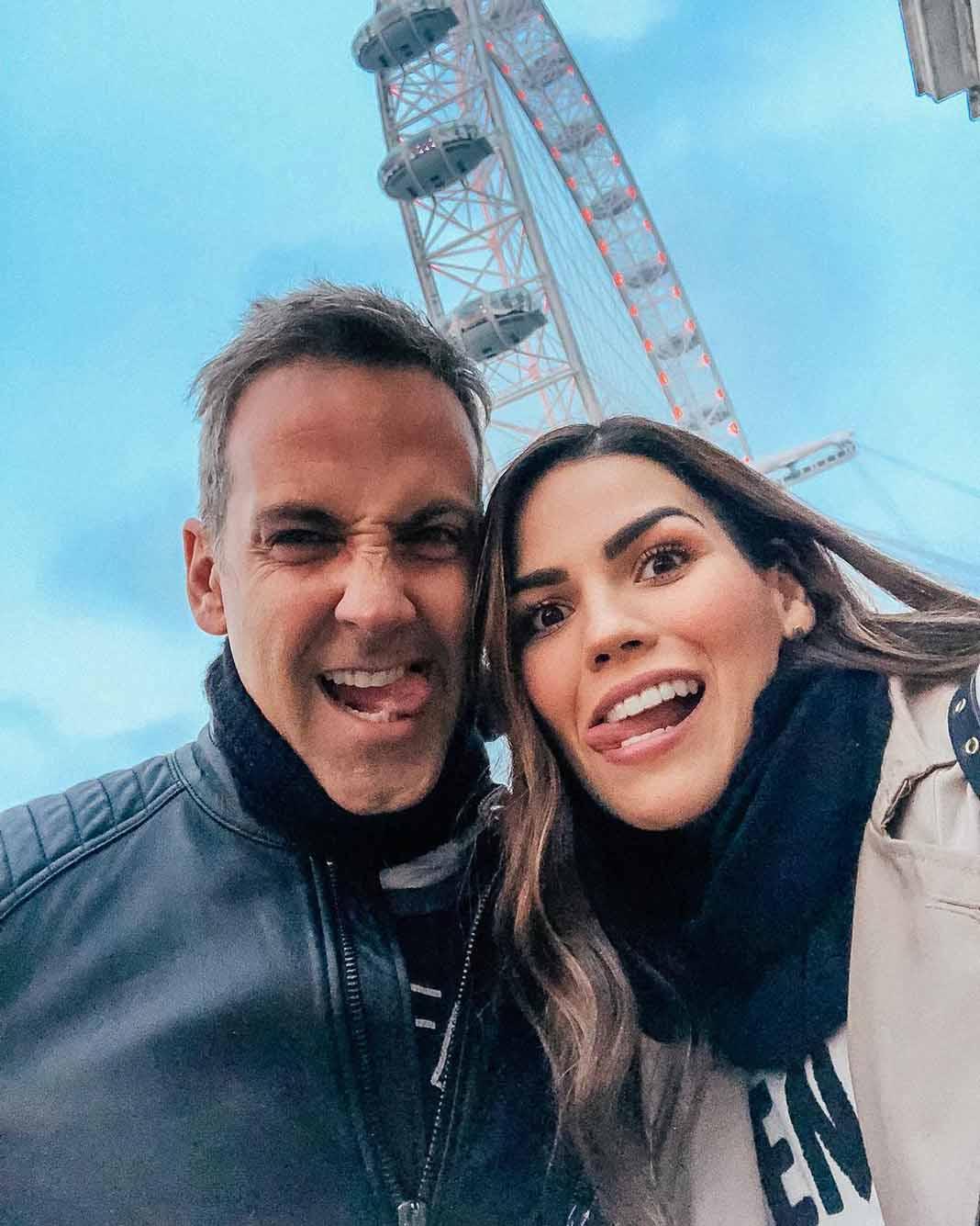 Karina y Carlos están comprometidos