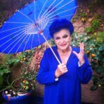 Lucía Bosé sentía tal fascinación por el azul, que en su casa hasta el piso estaba pintado de ese color