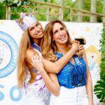 Lina y su madre Lili Estefan posaron para la foto del recuerdo