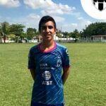 Esta foto se la tomó cuando visitó las instalaciones del Club de Futbol Monterrey