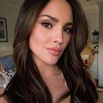 La actriz mexicana radicada en Los Angeles dejó a un lado el glamour y se unió a la marcha