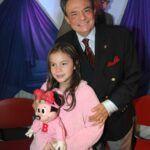 José José quiso su hija Sarita se dedicara al canto, incluso llegó a grabar un dueto con ella cuando era niña