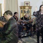 También estuvo acompañada por un grupos musical, con su esposo Yimmy Ortiz en la guitarra eléctrica