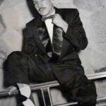 Una imagen pocas veces vista: Manuel Valdés, de joven, con pelo y bigote