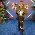 Natanael Cano, joven famosos por sus corridos tumbados, ganó en Miami 3 Premios Juventud