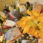 PaellaSe sirvió una paella bautizada con el nombre de Flor Silvestre, con cuitlacoche, flor de calabaza, salmón al ajillo, mejillones y un toque de vino_Flor