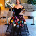 Este es el vestido con el que desfiló por la alfombra de los Latin Grammy y que eligió para su muñeca