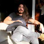 El youtuber Rey Grupero es popular por sus polémicas bromas y entrevistas
