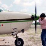 El Chino Piloto dice que transporta en su avioneta a niños, mujeres y ancianos a la sierra de Sinaloa