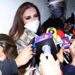 Visiblemente consternada, Lucía Méndez llegó a la funeraria para despedir a su gran amiga