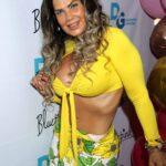 La cubana dejó a todos en shock al quitarse la blusa en vivo
